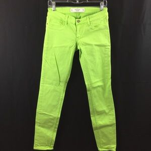 A&F Skinny Bright Green Jeans Size 26 (NWOT)